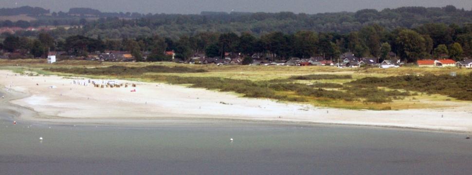 Blick auf den Sandstrand vom Priwall