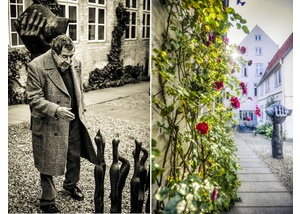 Günter Grass neben seiner Skulptur 7 Vögel