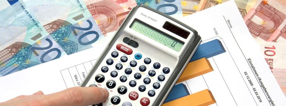 Steuererklärung Geld Pixelio, Das Geld wird knapp